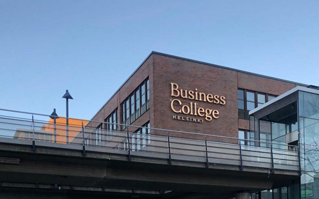 """Helsinki Business College: """"On mukavaa, kun soittoihin vastataan aina"""""""